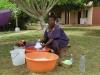 Unsere Waschfrau im KASAPA Centre
